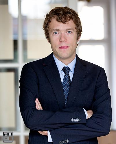 Bernhard Augl für HBA GRAZ Rechtsanwaltskanzlei, Rechtsanwälte Held, Berdnik, Astner, Business portrait, porträt, fotoshooting